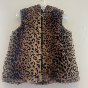 Beautiful Leopard fuzzy vest